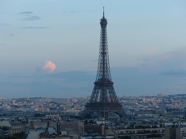eiffel-tower-514283_640